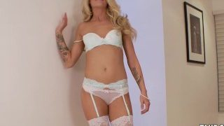 Spend a perfect day together with Jessa Rhodes…